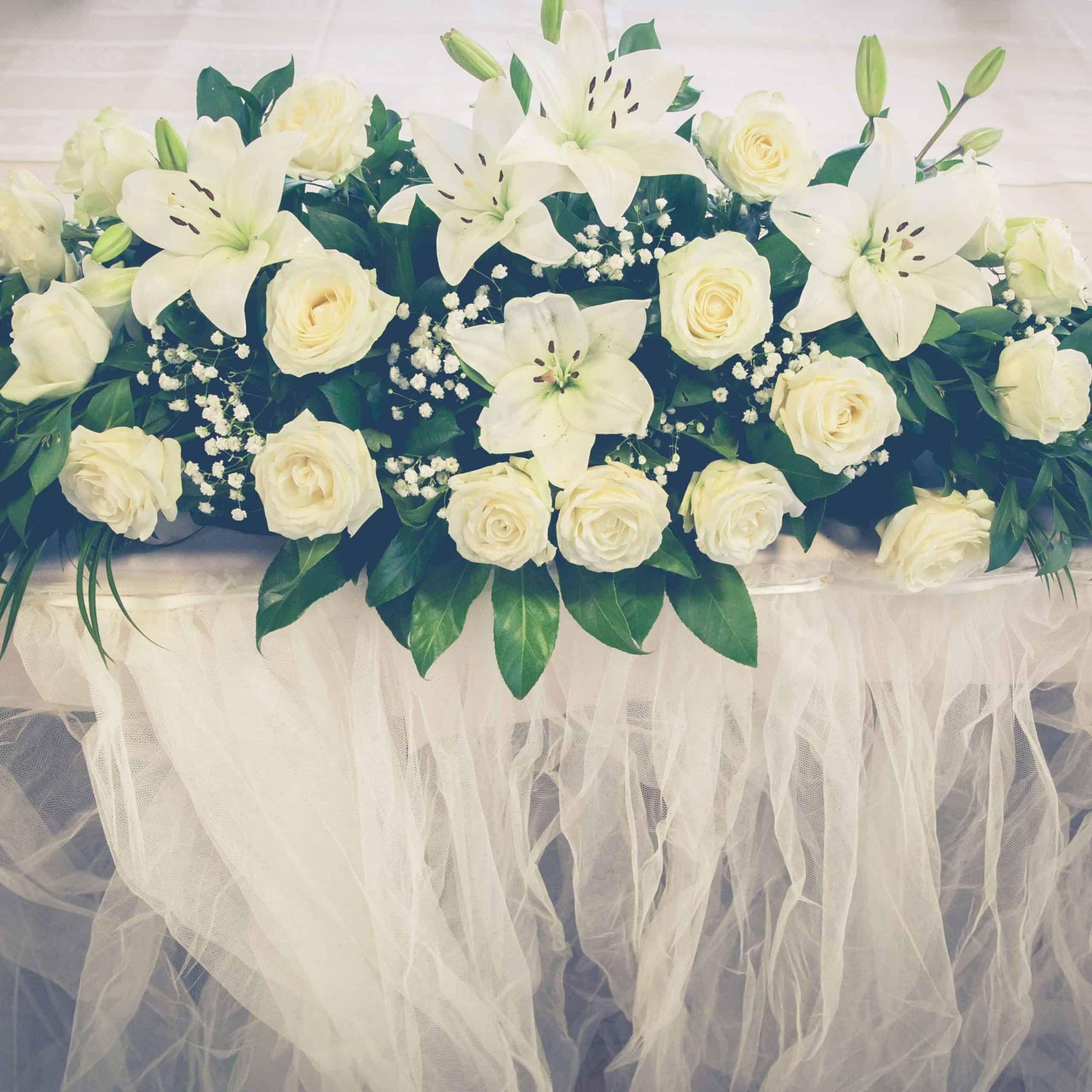 dekor pernikahan modern